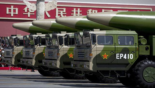 Баллистические ракеты армии Китая во время парада в Пекине, КНР. Архивное фото
