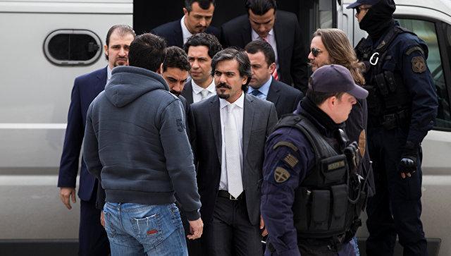 Верховный суд Греции отказался выдать Турции сбежавших после перелома военных