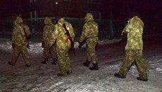 Сотрудники правоохранительных органов и военные в Авдеевке, Украина. Архивное фото