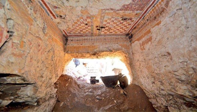 Гробница писца по имени Хонсю в Луксоре