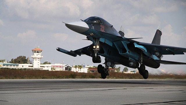 Российский истребитель-бомбардировщик Су-34. Архивное фото.