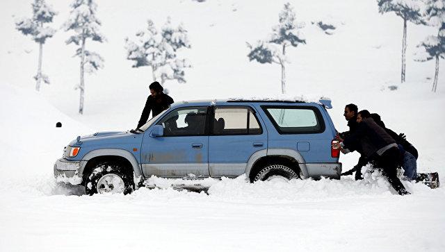 Десятки людей погибли вПакистане иАфганистане из-за снежных лавин