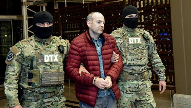 Блогер Александр Лапшин в аэропорту Гейдара Алиева в Баку. Архивное фото