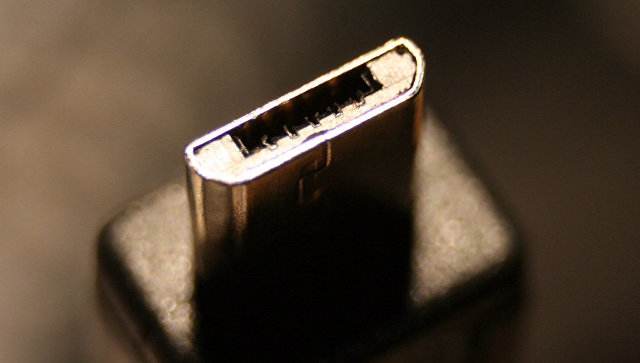 Разъем micro-USB. Архивное фото