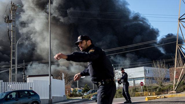 Пожар на химическом заводе по производству хлора в Валенсии в Испании. 8 февраля 2017