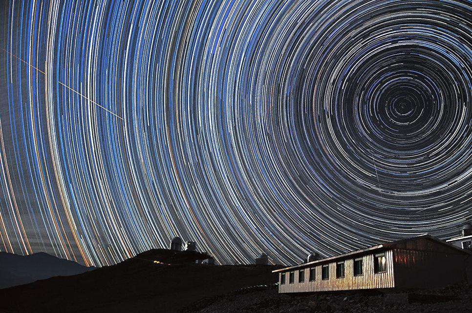 Как фото звездного неба на длинной выдержке
