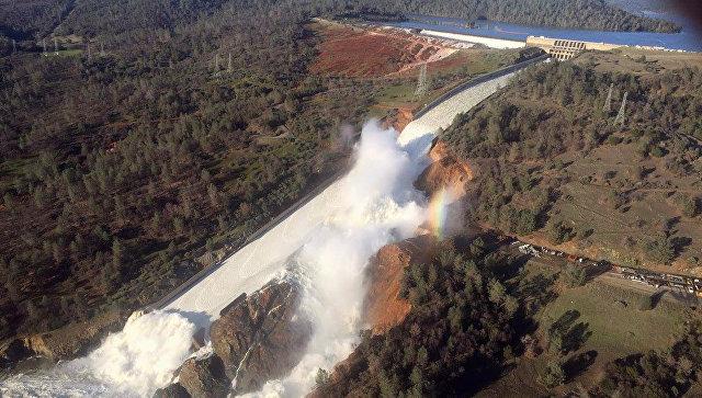 ВКалифорнии объявили эвакуацию из-за разрушения плотины