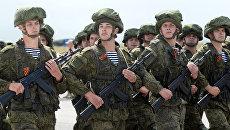 Парадный расчет военнослужащих РФ. Архивное фото