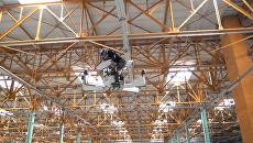 Российский ховербайк летал под крышей ангара на испытаниях в Москве