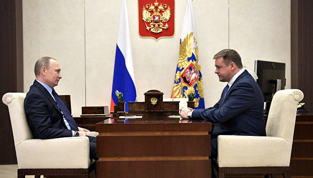 Президент РФ Владимир Путин и временно исполняющий обязанности губернатора Рязанской области Николай Любимов. 14 февраля 2017