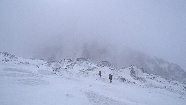 Сход лавины. Архивное фото