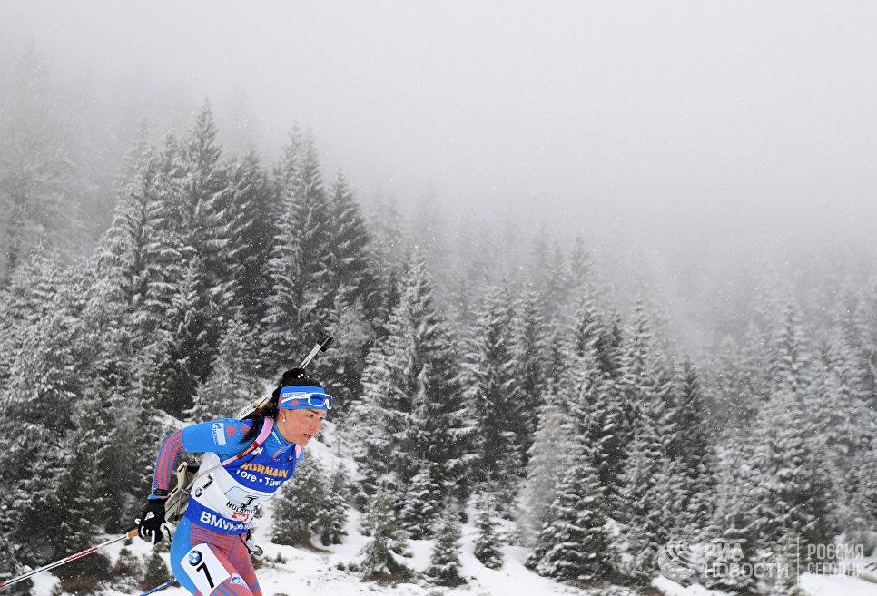 Татьяна Акимова (Россия) на дистанции эстафеты среди женщин чемпионата мира по биатлону в австрийском Хохфильцене