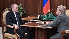 Президент РФ Владимир Путин и министр образования и науки РФ Ольга Васильева во время встречи. 20 февраля 2017