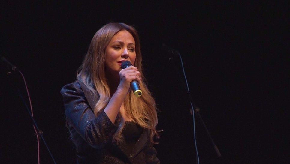 Юлия Началова исполняет «Ты же выжил солдат»