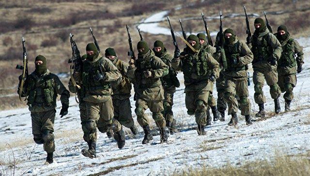 Военнослужащие отдельной бригады береговой обороны Черноморского флота на полигоне Ангарский в Крыму. Архивное фото