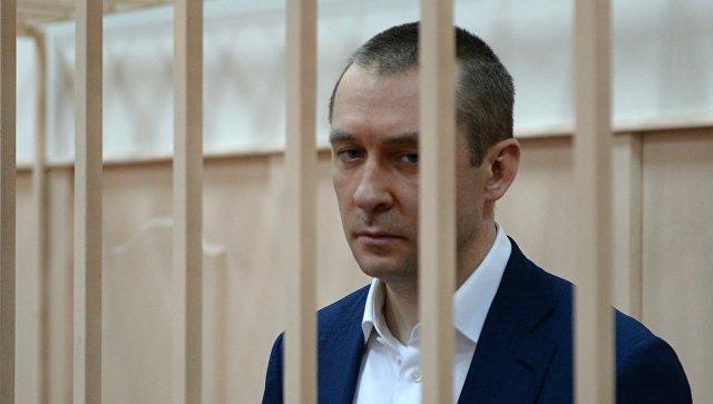 Дмитрий Захарченко в Басманном судом Москвы перед рассмотрением ходатайства следствия о продлении ареста. Аохивное фото
