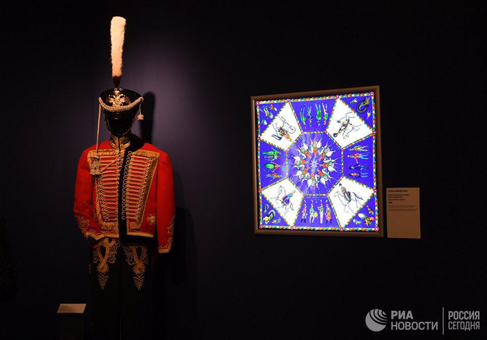 Открытие выставки Шелковый лабиринт. Редкие платки Hermes из собрания Maison Carre Foundation