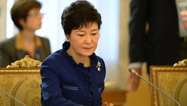 Южнокорейская прокуратура просит арестовать бывшего президента Пак Кын Хе