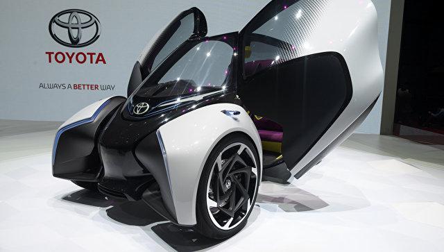 Автомобиль Toyota i-TRIL на Женевском международном автосалоне