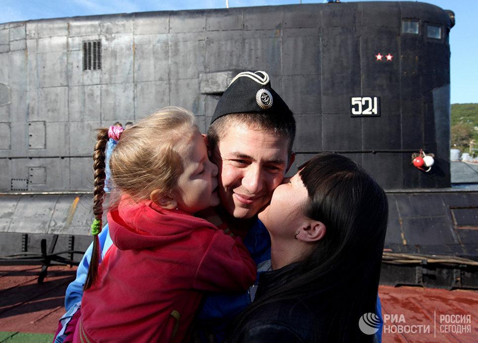 Встреча дизельной подводной лодки Краснокаменск
