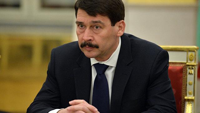 Президент Венгрии неопределился впервом туре