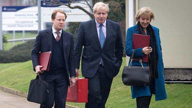 Премьер Великобритании боится отпускать Бориса Джонсона кЛаврову