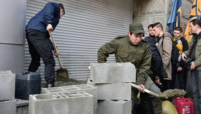 Агентства Moody's и S&P оценили воздействие  украинских санкций на русские  банки