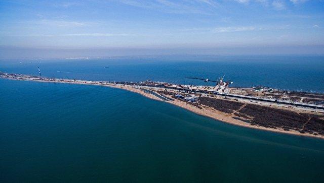 Строительство транспортного перехода через Керченский пролив на острове Тузла в Азовском море. Архивное фото
