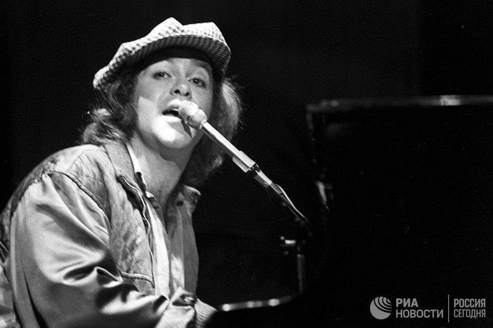 Английский рок-певец, композитор, пианист Элтон Джон на гастролях в Москве