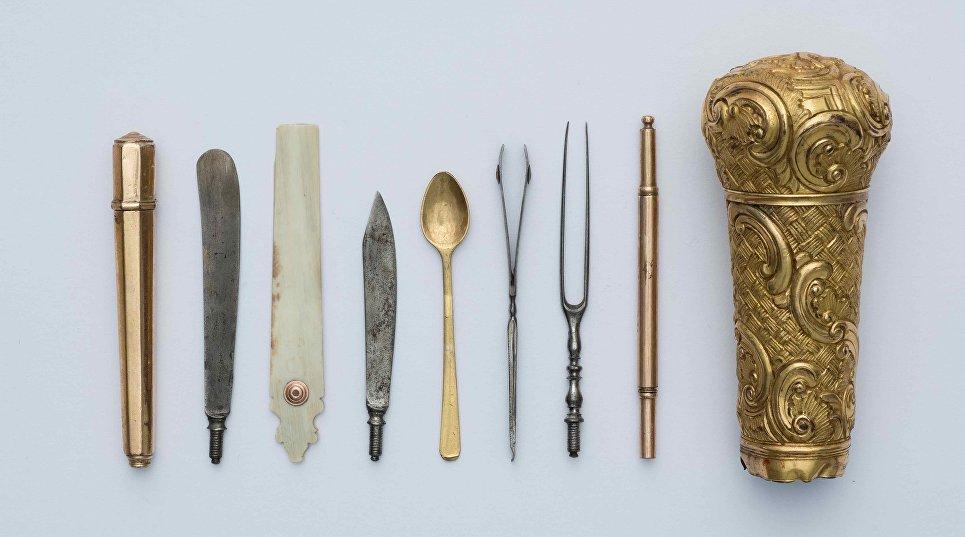 Набалдашник трости  с различными принадлежностями