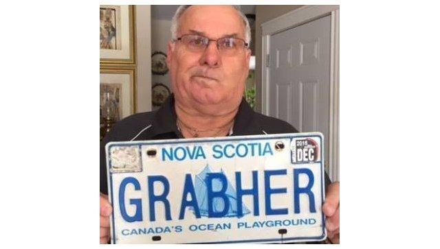 У канадца с «оскорбительной» фамилией отобрали именной автомобильный номер