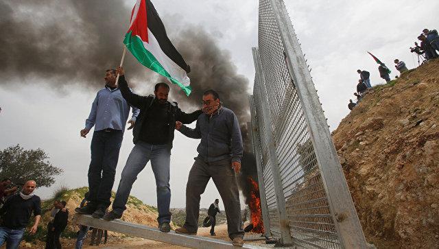 Палестинские демонстранты. Архивное фото