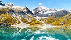 Национальный парк Глейшер Бэй, Аляска, США. Архивное фото