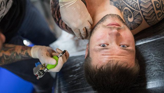 Ученые: Татуировки нетускнеют стечением времени из-за особенностей иммунной системы