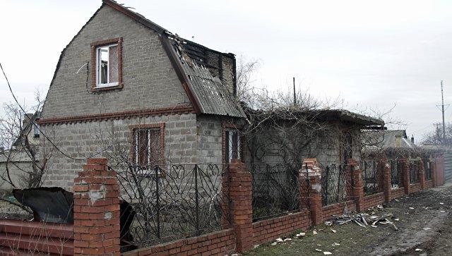 Последствия обстрела в ДНР. Архивное фото