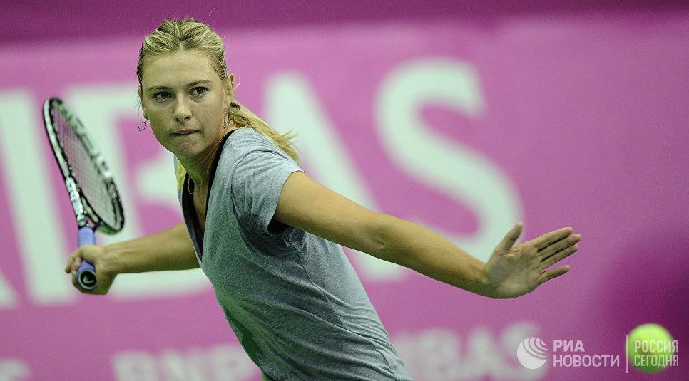 Российская теннисистка Мария Шарапова тренируется в СК Олимпийский