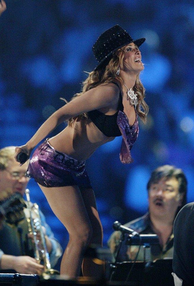 Американская модель и актриса Кармен Электра во время шоу VH1 Divas