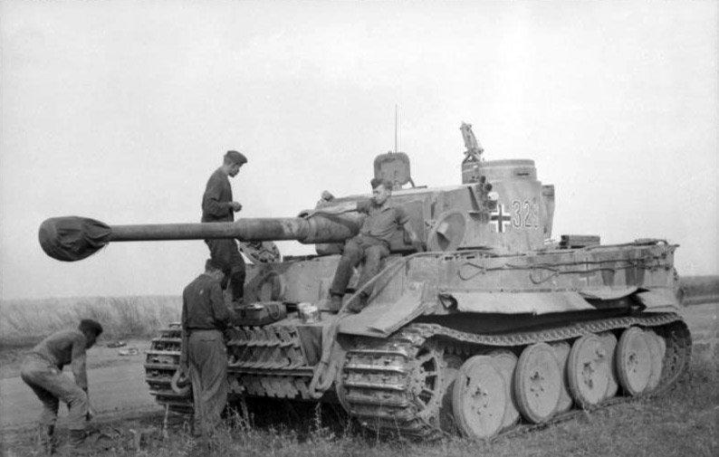 Немецкий танк Тигр. 1943 год