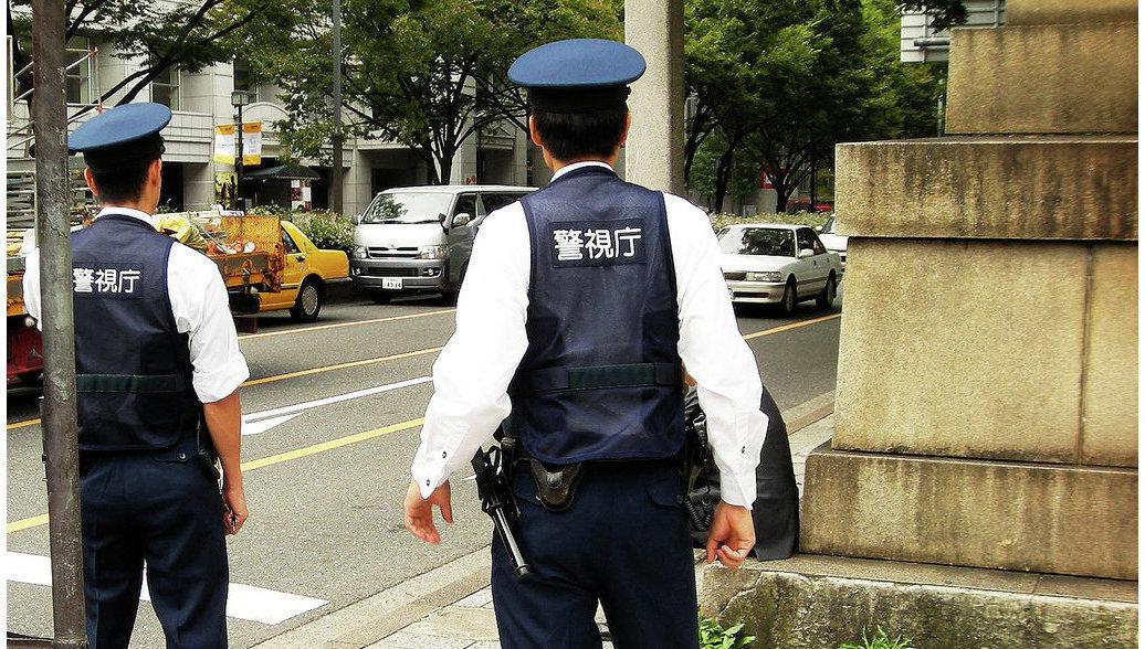 Китаец обменял 46 кг золота на 1,6 миллионов долларов и его тут же обокрали поддельные полицейские
