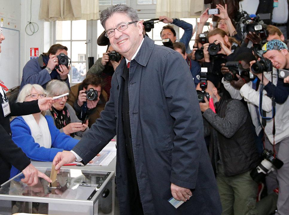 Жан-Люк Меланшон проголосовал на выборах