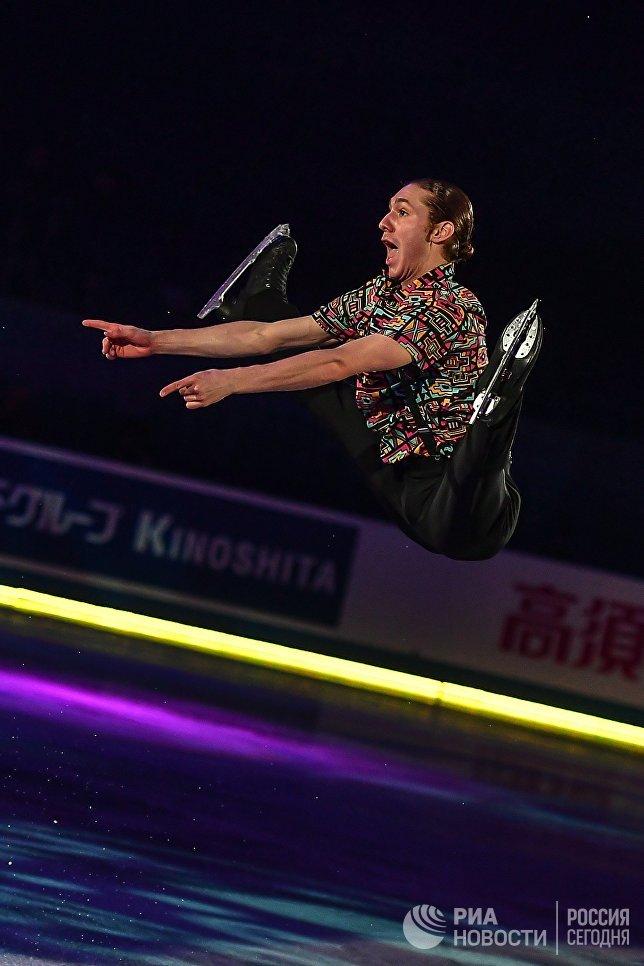 Джейсон Браун участвует в показательных выступлениях на командном чемпионате мира по фигурному катанию в Токио