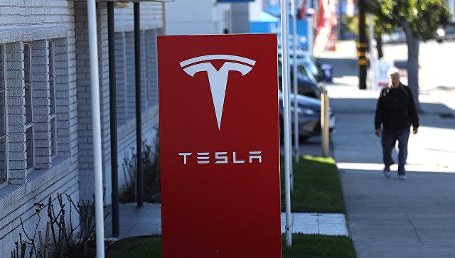 Ради уменьшения  затрат Tesla уволит 9% служащих