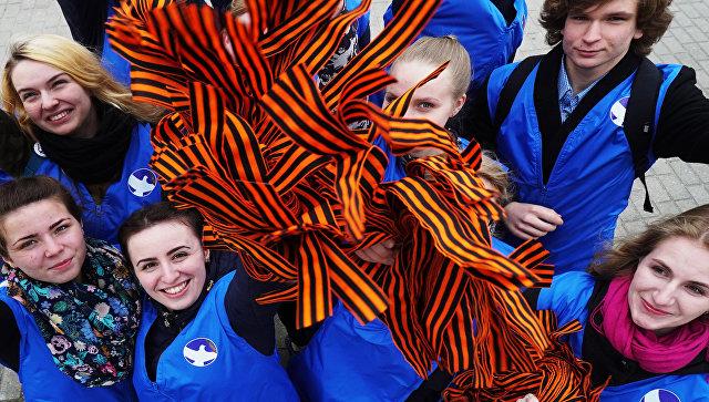 Акция «Георгиевская ленточка» прошла в Армении с участием российских военнослужащих