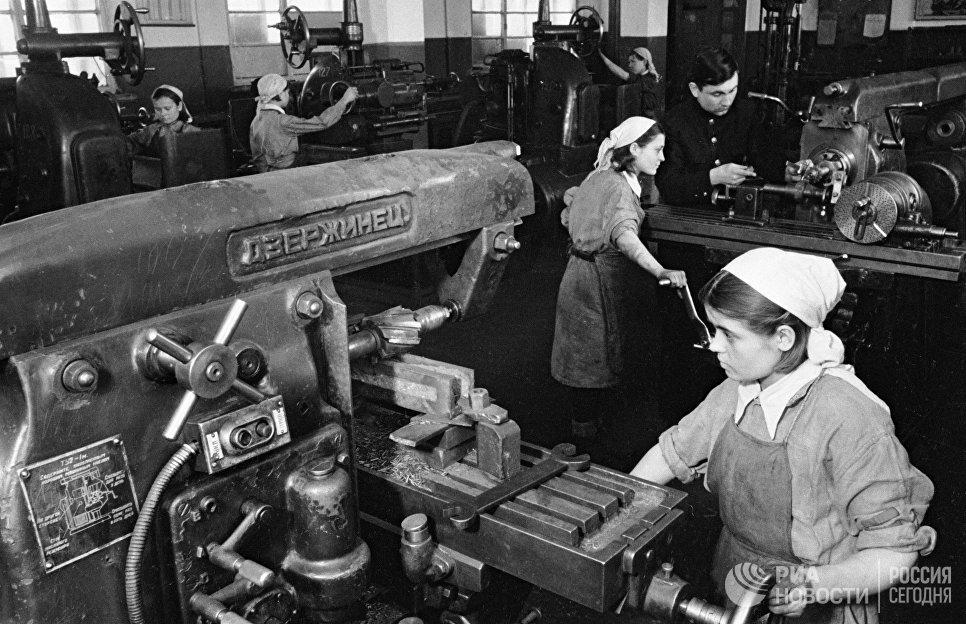Выпуск оборонной продукции на Тульском машиностроительном (станкостроительном) заводе, 1944 год