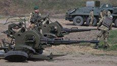 Военнослужащие во время стрельб во Львовской области. Архивное фото