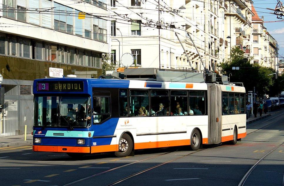 Троллейбус NAW/Hess Swisstrolley, поставленный в Женеву в 1992 году