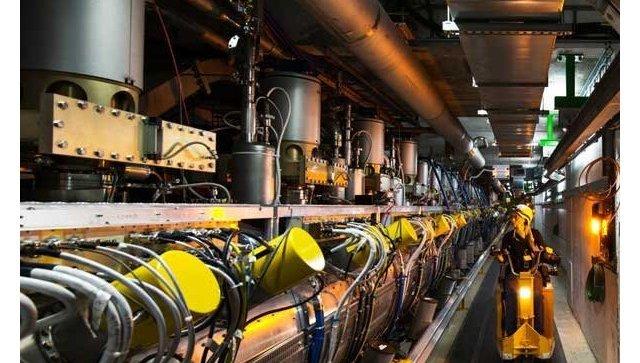 Ускорительная секция Большого адронного коллайдера, где разгоняются частицы. Архивное фото