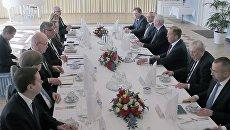 Министр иностранных дел России Сергей Лавров и глава МИД Финляндии Тимо Сойни во время встречи в Хельсинки. 4 мая 2017