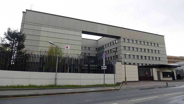 """Источник: посольство Японии в Москве проверяют после звонка о """"минировании"""""""