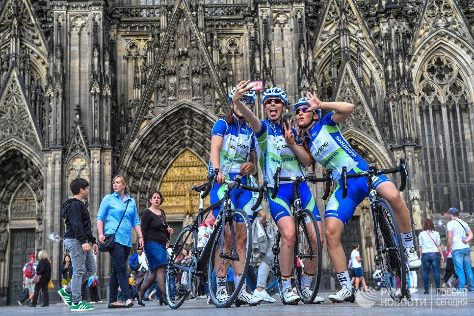Велосипедистки из Штутгарта в Кельне